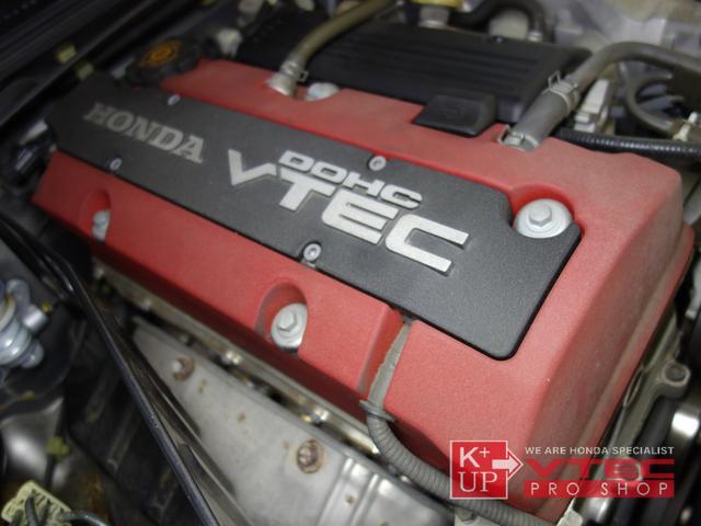 F20C VTECエンジンを搭載。9000回転までストレスなく回るコンディションを保っています。ご購入後もオイルメンテナンスをしっかりしていけば問題の出ない走行距離です。