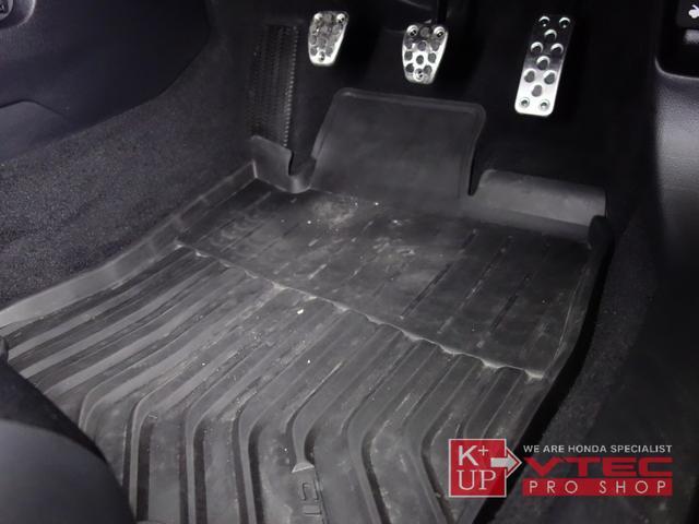 ハッチバック ホンダセンシング 後期型 1オーナー フルノーマル 禁煙車 純正ナビ・VXM-204VFi 前後ドラレコ 前後カメラ ETC2.0 6速マニュアル 新車時保証書(40枚目)