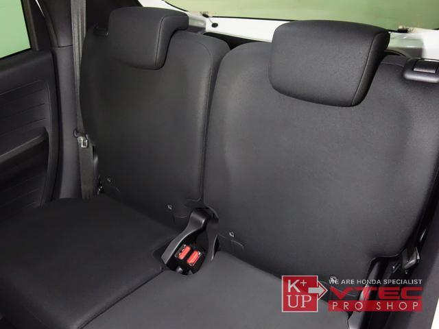 RS ホンダセンシング ナビ装着用スペシャルパッケージ 2トーンカラー 禁煙車 スマートキー LEDヘッドライト 充電用USBジャック シートヒーター 専用15インチアルミ 6速マニュアル 保証書(14枚目)