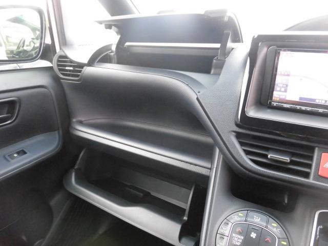 トヨタ ノア X ディライトプラス 新品社外ナビTV 両側自動ドア