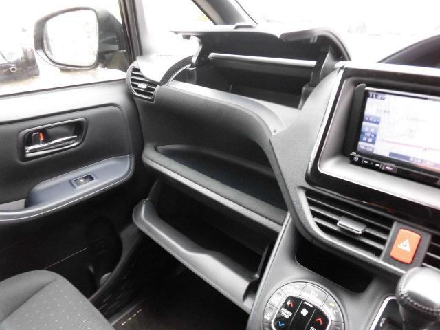 トヨタ ノア G 新品社外メモリーナビTV 自動ドア LEDライト