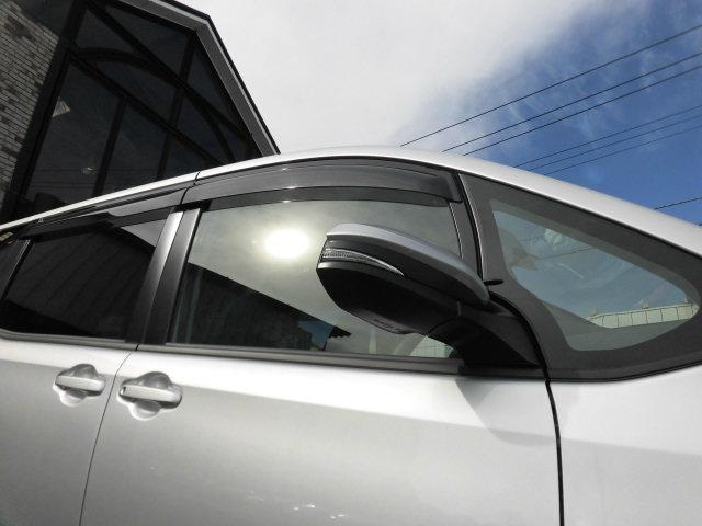 トヨタ ヴォクシー X 4WD 社外メモリーナビ 自動ドア LEDライト