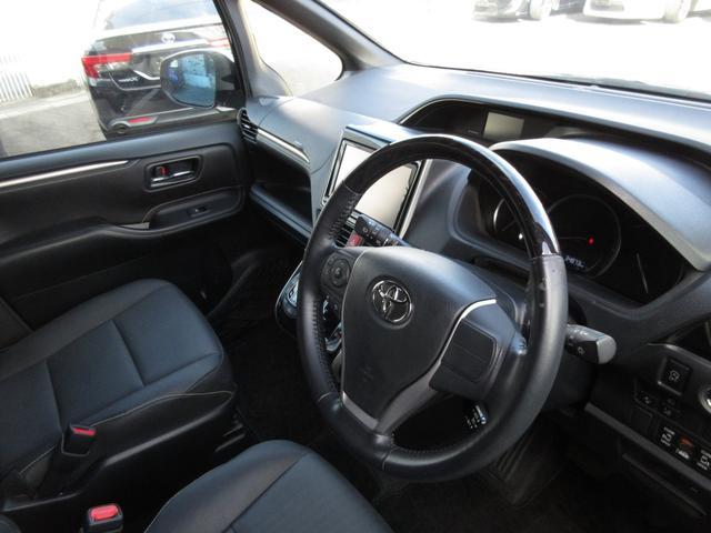 Gi ブラックテーラード 純正9インチメモリーナビTV 両側自動ドア スマートキー オートAC レザーシート シートヒーター トヨタセーフティーセンス(9枚目)