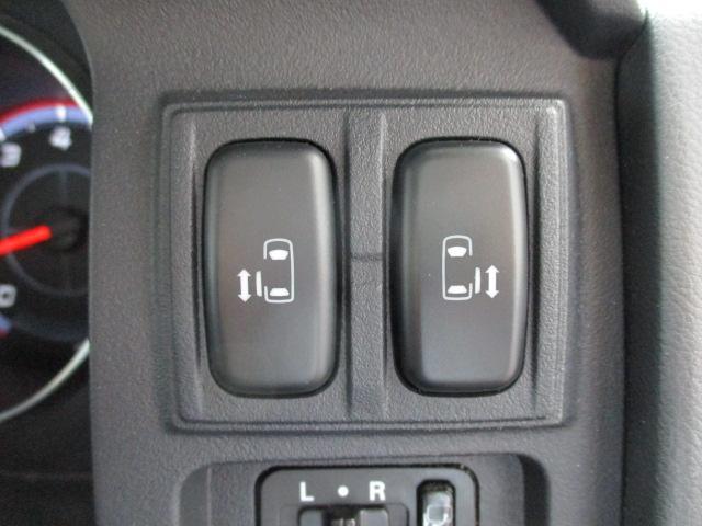 GナビPKG 4WD純正HDD地デジ後席フリップ両側電動ドア(6枚目)