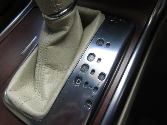 350GT 後期HDDナビS/Bカメラ白革電動暖冷シート(7枚目)
