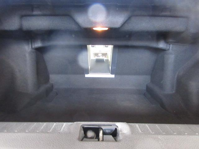 350GT 後期HDDナビS/Bカメラ白革電動暖冷シート(17枚目)