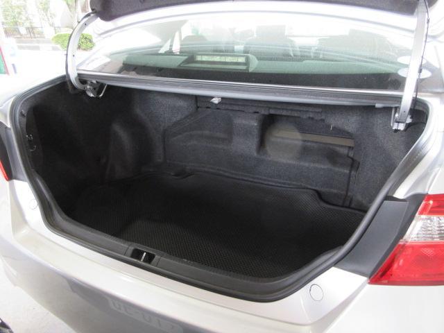 ハイブリッド レザーパッケージ 1オナMナビ地デジBカメラ黒革電動暖席クルコンHID純正17AW(16枚目)