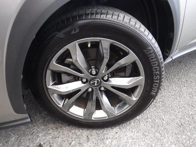 タイヤの溝をご確認して下さい。
