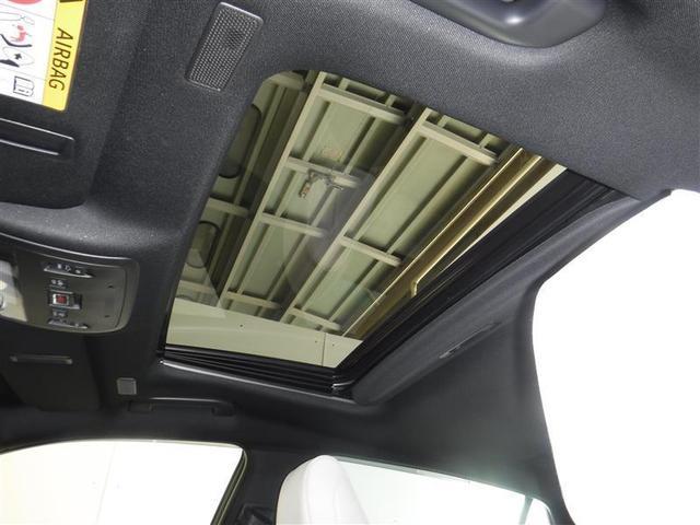 室内に心地よい開放感を!希少な「ム-ンル-フ」を装備しています。スライド機能やチルト機能で爽やかな風と光を採り込めます。