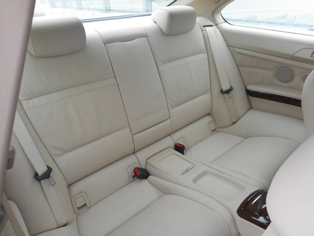 BMW BMW E92 328i USモデル 6速マニュアル サンルーフ