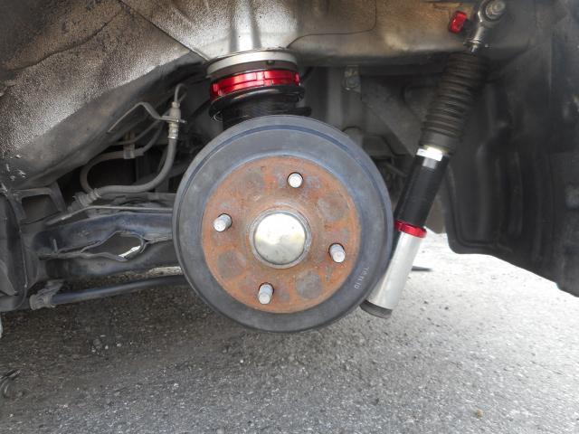 リヤの足回りもシュピーゲル製の車高調を組んでいます。