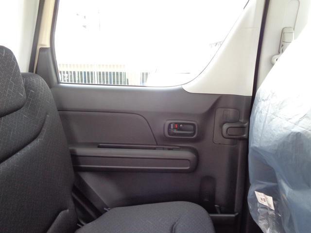ハイブリッドFX 届出済未使用車 衝突軽減システム スマートキー 盗難防止システム 電動格納ミラー ABS Wエアバック オートエアコン プライバシーガラス(33枚目)