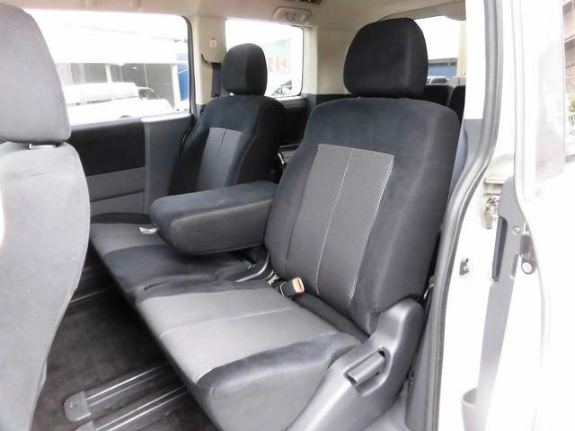 ローデスト G パワーパッケージ フルセグナビ・後席モニター・Bluetoothオーディオ・両側自動ドア・20AW・HIDライト・フォグ・本革巻ステアリング・クルーズコントロール・ETC・ドアバイザー・フロアマット・プライバシーガラス(6枚目)