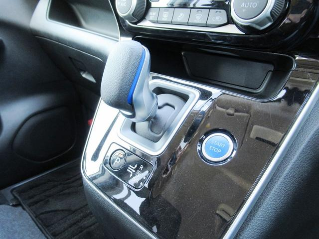 後期・フルセグナビ・後席モニター・全周囲カメラ・Bluetoothオーディオ・両側自動ドア・LEDライト・フォグLED・クルーズコントロール・ETC・エマージェンシーブレーキ・レーンアシスト・BSM
