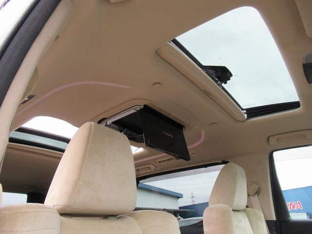フルセグナビ・後席モニター・バックカメラ・Bluetoothオーディオ・両側自動ドア・パワーハッチバック・LEDライト・フォグLED・レーダークルーズ・サンルーフ・ETC・ブレーキサポート・Pガラス