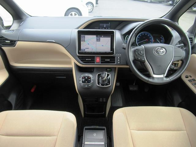 ハイブリッドG フルセグナビ・バックカメラ・Bluetoothオーディオ・両側自動ドア・シートヒーター・LEDライト・クルーズコントロール・ETC・ドアバイザー・フロアマット・本革巻ステアリング・プライバシーガラス(4枚目)