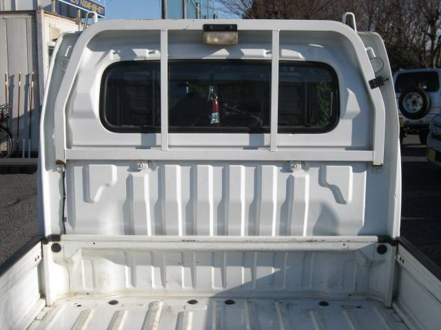 スズキ キャリイトラック トラック660KCエアコン・パワステ3方開 4WD