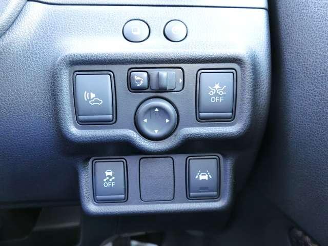 横滑り防止装置や車線逸脱防止や緊急ブレーキなど安全装置も付いているので安心です!