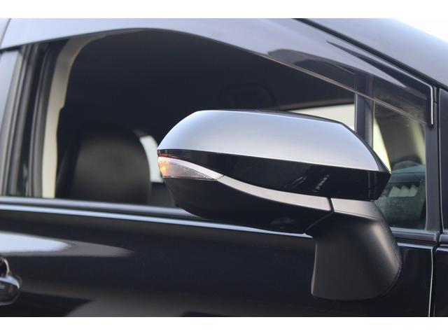 ハイブリッドG クエロ 後期型/歩行者検知機能付衝突警告/車線逸脱警報/前後踏み間違い防止/7人乗り/純正SDナビ/フルセグ/DVD/パノラマミックビューモニター/両側電動スライドドア/ハーフレザー/全方位モニター(32枚目)