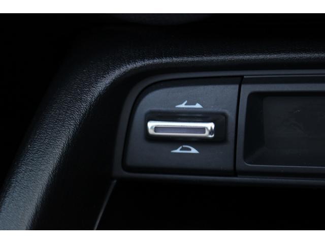 S 6速MT/純正SDナビ/地デジフルセグ/バックカメラ/LEDヘッドライト/純正17インチAW/ETC/Bluetooth接続/電動オープン/スマートキー(23枚目)