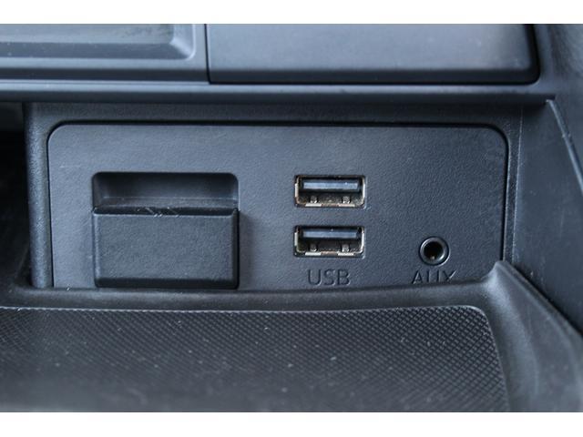 S 6速MT/純正SDナビ/地デジフルセグ/バックカメラ/LEDヘッドライト/純正17インチAW/ETC/Bluetooth接続/電動オープン/スマートキー(28枚目)