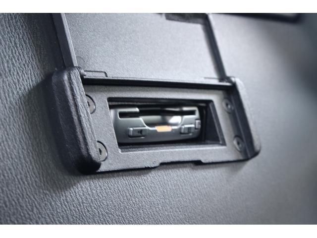 S 6速MT/純正SDナビ/地デジフルセグ/バックカメラ/LEDヘッドライト/純正17インチAW/ETC/Bluetooth接続/電動オープン/スマートキー(33枚目)