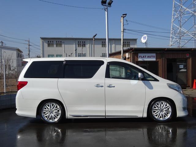 プライバシーガラス装着車両ですので、ご安心くださいませ!アルミホイール、ウインドウ撥水コート等各種コーティングもご用意しております!
