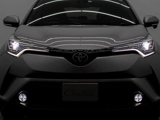 欧州車のような流れるウィンカー「LEDシーケンシャルランプ」を装備!