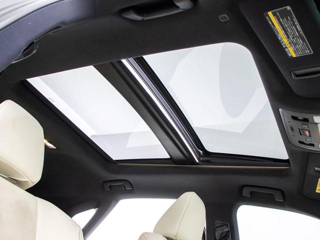 RX450h Fスポーツ 本革シート/サンルーフ/パノラミックビューモニター/パワーバックドア/メーカーSDナビ/Blu-ray再生/パワーシート/シートヒーター/エアシート/ETC2.0/レーダークルーズ/プリクラ/4WD(4枚目)
