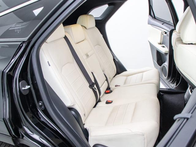 RX450h Fスポーツ 本革シート/サンルーフ/パノラミックビューモニター/パワーバックドア/メーカーSDナビ/Blu-ray再生/パワーシート/シートヒーター/エアシート/ETC2.0/レーダークルーズ/プリクラ/4WD(17枚目)