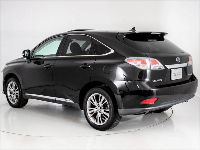 RX450h バージョンL 現行Fスポーツタイプ/黒本革シート/サンルーフ/4WD/パワーバックドア/冷暖房シート/パワーシート/サイド&バックカメラ/フルセグ/LEDヘッドライト/ETC/ステアリングヒーター(12枚目)