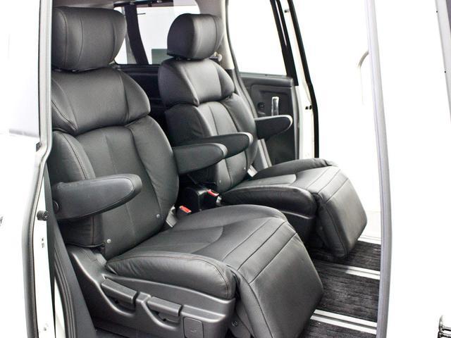 日産 エルグランド 250ハイウェイスターアーバンクロム NEW黒革 新品タイヤ