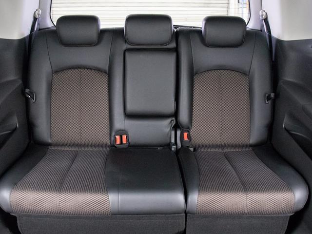 サードシートにも広々空間をご用意しております!