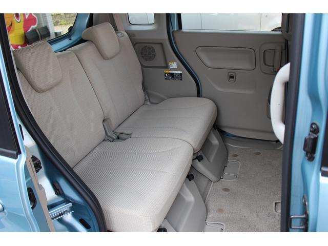 後部座席も広くてゆったり♪嫌なニオイやシートのシミもありません!