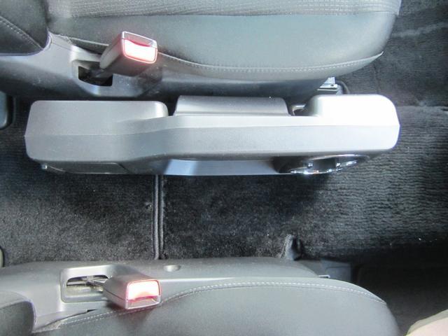 23S フルセグメモリーナビ/フリップダウンモニター/バックカメラ/両自動ドア/アドバンストキー/HID/ETC/二列目オットマン/DVDビデオ再生可/Bluetooth/17インチアルミ(43枚目)