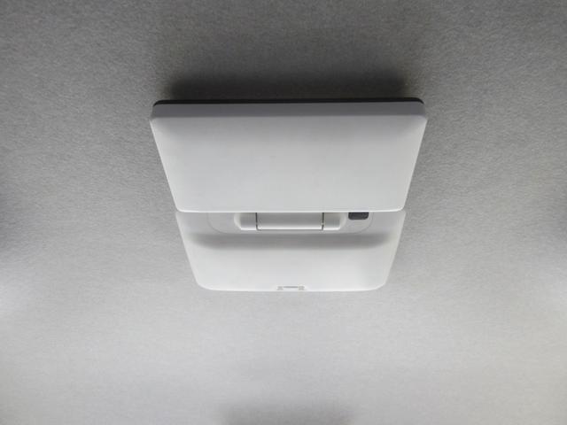 プラタナ Vセレクションホワイトインテリアパッケージ 純フルセグHDDナビ/フリップダウンモニター/バックカメラ/黒革シート/両自動ドア/スマートキー/HID/ETC/フルエアロ/16インチAW/Bluetooth/DVD再生可/ワンオーナー/禁煙(31枚目)