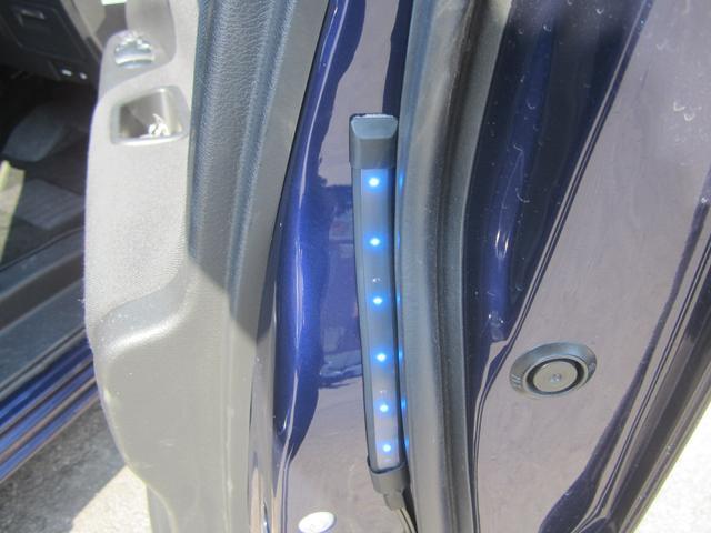 ハイウェイスター Vセレクション セーフティパックA/純正9型SDナビ&フルセグ/11型フリップダウンM/アラウンドビューカメラ/Bluetooth/両側ハンズフリー自動ドア/LEDライト/1オーナー車(20枚目)