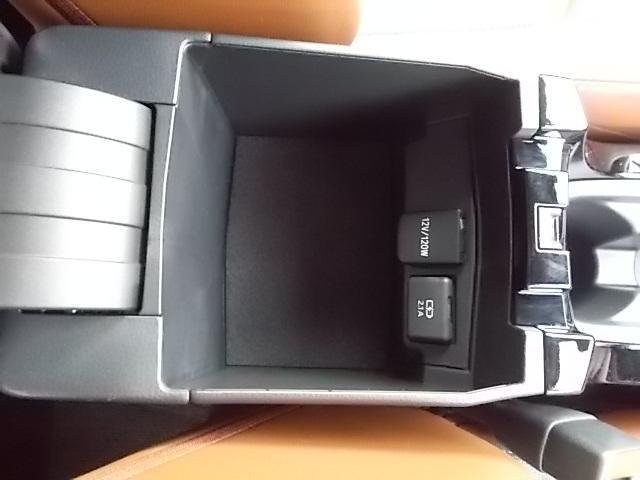 「トヨタ」「カローラスポーツ」「コンパクトカー」「埼玉県」の中古車12