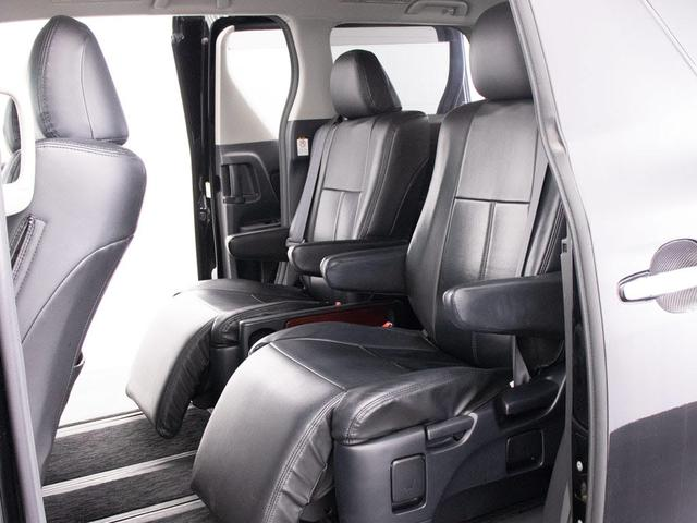 黒革調シートカバー!車内の高級感を選出します!