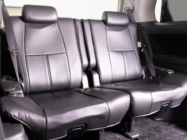 サードシートも広々空間が広がっております!シート跳ね上げにて大容量スペースの確保も可能です!