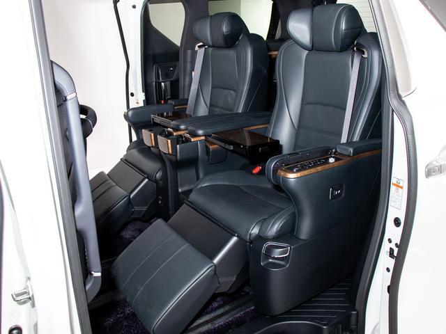 3.5エグゼクティブラウンジ 4WD/禁煙車/黒本革シート/エグゼクティブラウンジシート/サンルーフ/JBLサウンド/モデリスタフルエアロ/パノラミックビューモニター/後席モニター/メーカーSDナビ/両側自動ドア/パワーバックドア(16枚目)