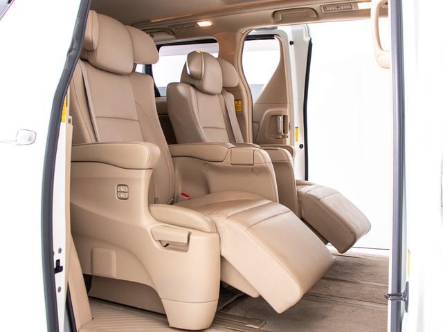 G Lパッケージ エグゼクティブシート/本革/ツインサンルーフ/後席モニター/両側自動ドア/パワーバックドア/バックカメラ/メーカーHDDナビ/パワーシート/シートヒーター/ETC/クルーズコントロール/AC100V(5枚目)