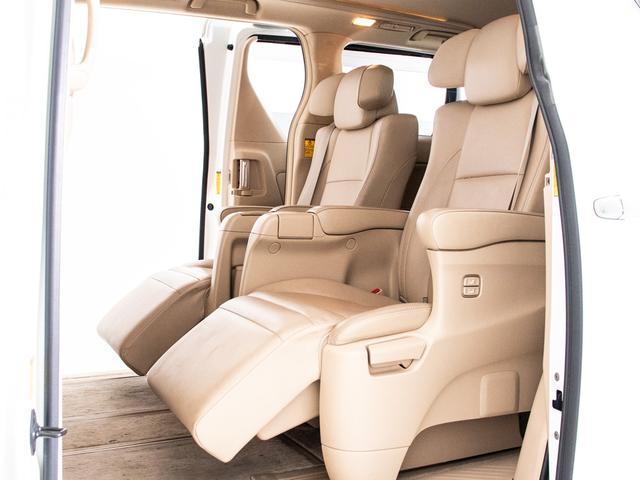 G Lパッケージ エグゼクティブシート/本革/ツインサンルーフ/後席モニター/両側自動ドア/パワーバックドア/バックカメラ/メーカーHDDナビ/パワーシート/シートヒーター/ETC/クルーズコントロール/AC100V(6枚目)