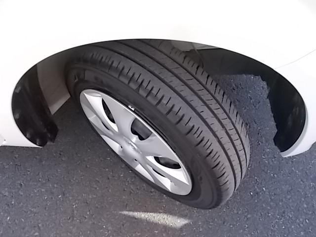 タイヤの溝もしっかりと残っております。