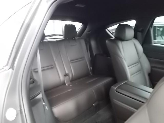 大人もゆったり乗れるサードシートで万が一の場合も安心ですね。