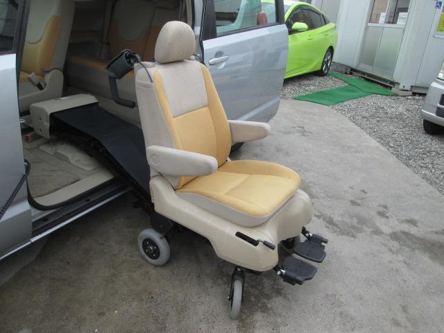 150r ウェルキャブ車 サイドスライドアップ脱着式シート(8枚目)