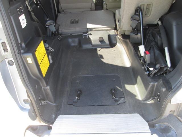 福祉車両 スローパー 電動固定式 車椅子移動車 ナビBカメラ(9枚目)