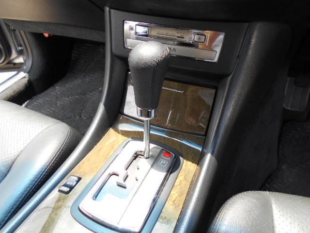 300Gグランドツーリング V6ターボ SR 黒革シート(9枚目)