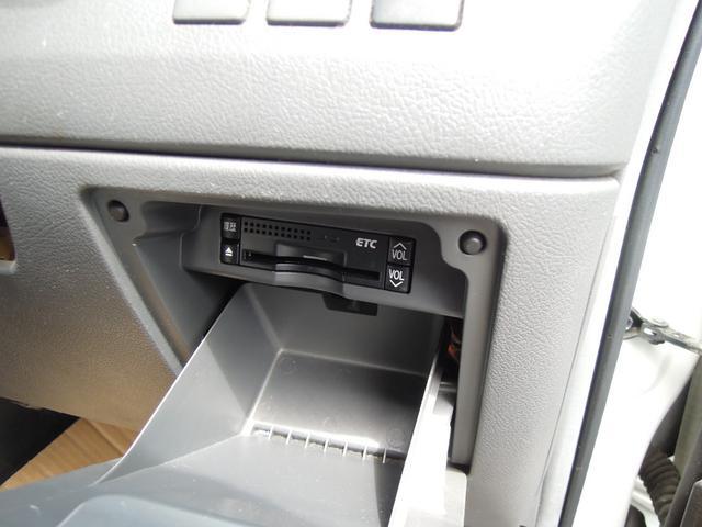 YY キーレス ETC HDDナビ CD DVD再生 地デジフルセグ バックカメラ フルフラット タイミングチェーン 両側スライド タイヤ7分山(45枚目)