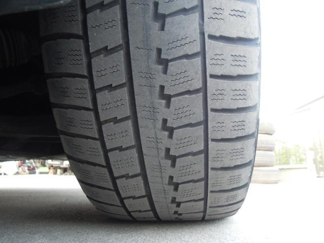 タイヤは2分山ですのでノーマルタイヤで交換します!